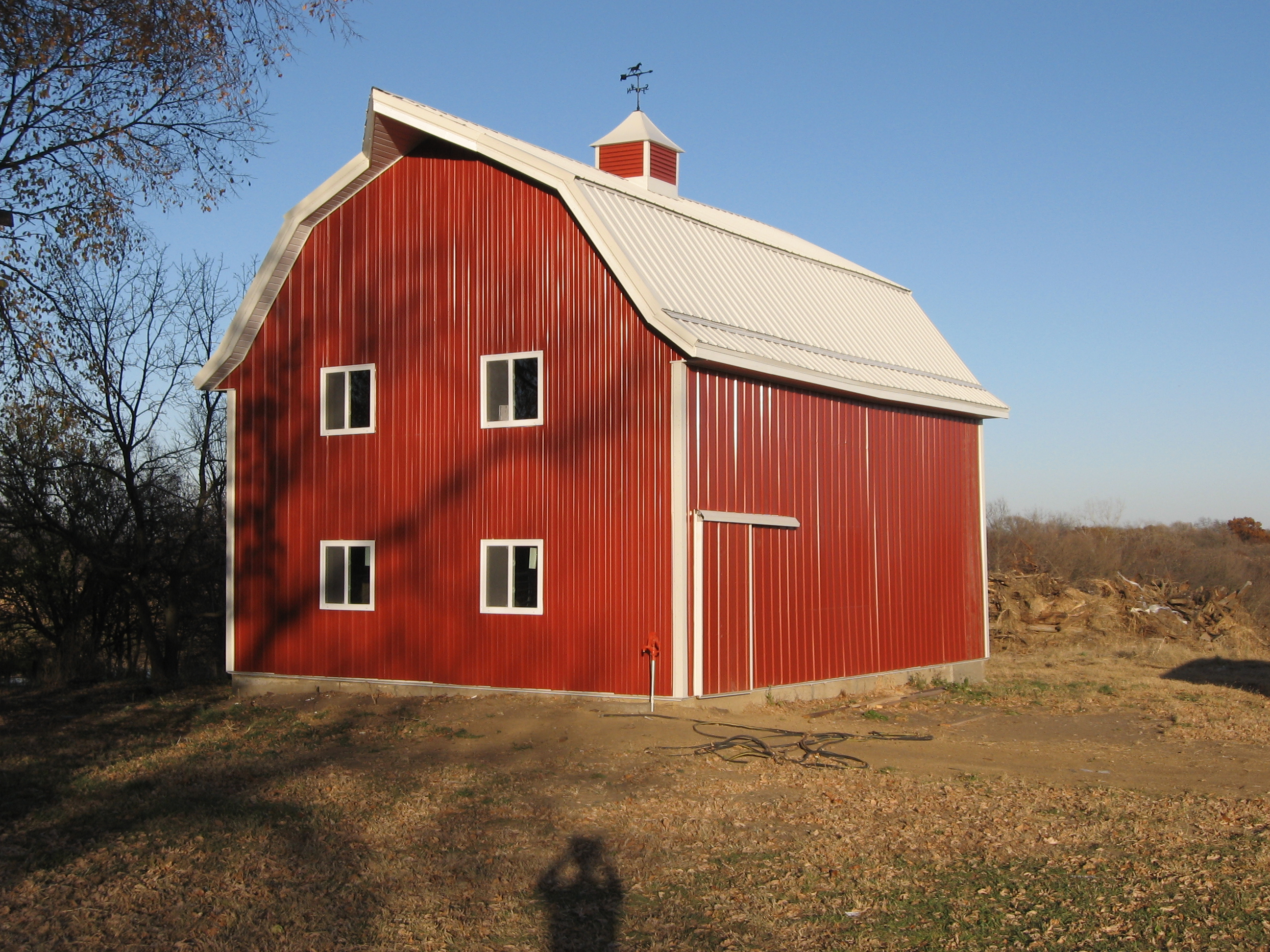 Pole barn pics ross homes for Barn house pics